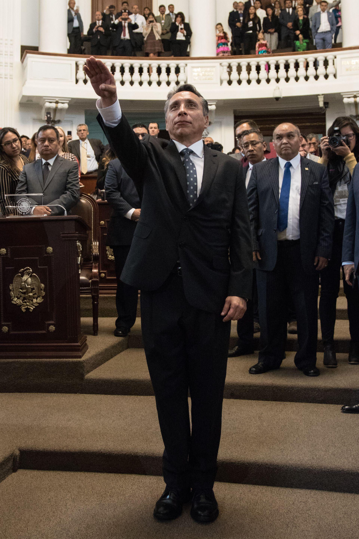 Manuel Negrete, durante su toma de protesta como alcalde de Coyoacán (Foto: Cuartoscuro)