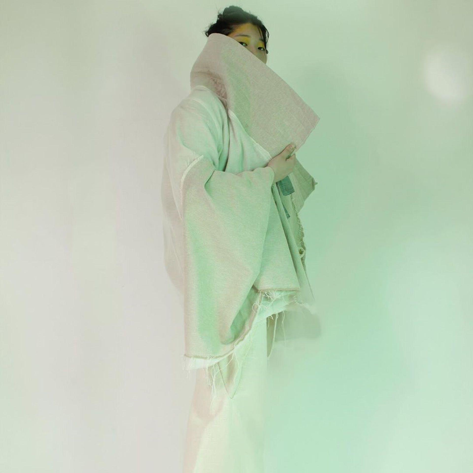 Las diseñadoras explicaron que se dieron cuenta de que la vestimenta asiática era similar a la occidental y que tenían varios puntos en común, sobre todo la vestimenta del gaucho y la ropa tradicional coreana