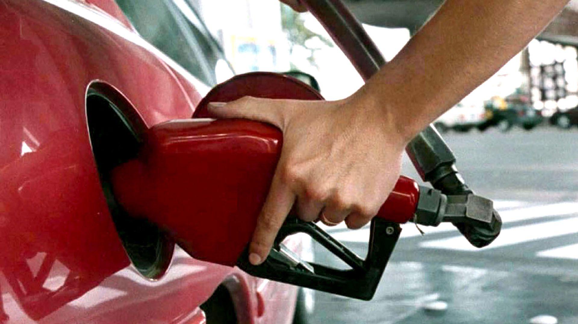 En el primer semestre, la demanda de combustibles cayó 1,18%, con mayor preponderancia los premium