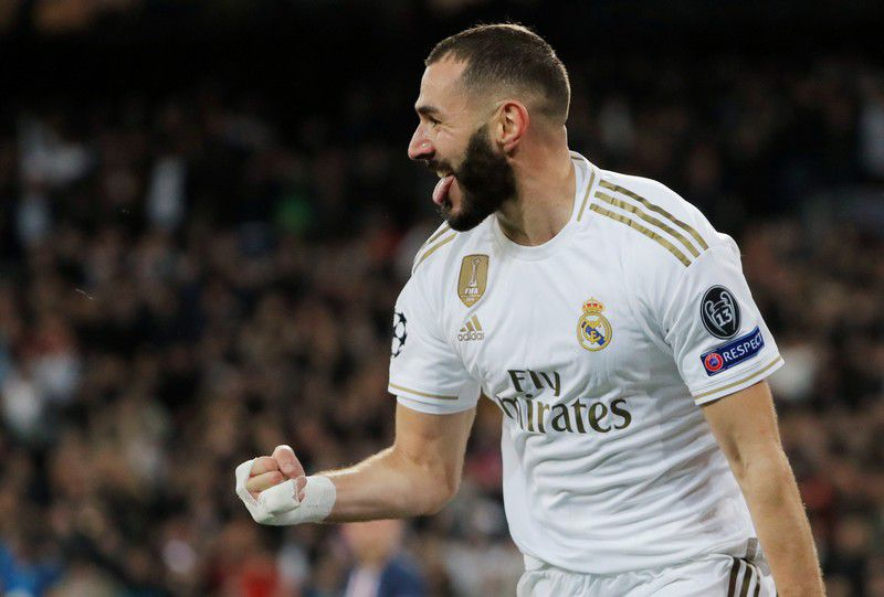 Karim Benzema celebra su segundo gol personal en el empate entre Real Madrid y PSG por Liga de Campeones. 26 de noviembre de 2019. REUTERS/Susana Vera.