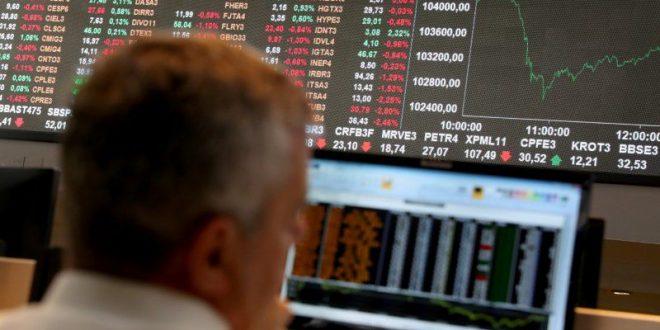 El derrumbe de los dólares alternativos arrastró a la Bolsa y hubo menos demanda de acciones
